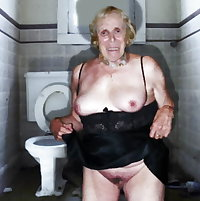 MY GRANNY FRIEND IN PUBLIC WC