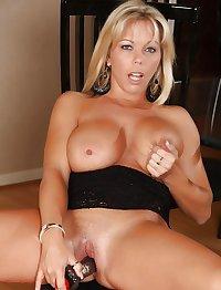 Busty Mature Amber Lynn Bach 2