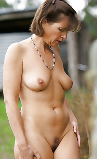 Only the best amateur mature ladies.46