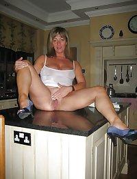 hot moms! matures and grannys i want...