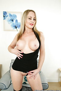 45 year old British milf Sofia Rae from OlderWomanFun
